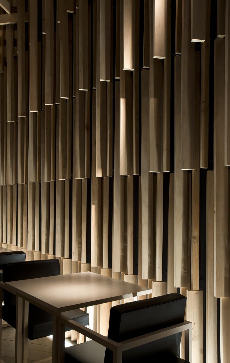 Sake no hana sakenohana architecture kengo kuma for Wooden hotel design