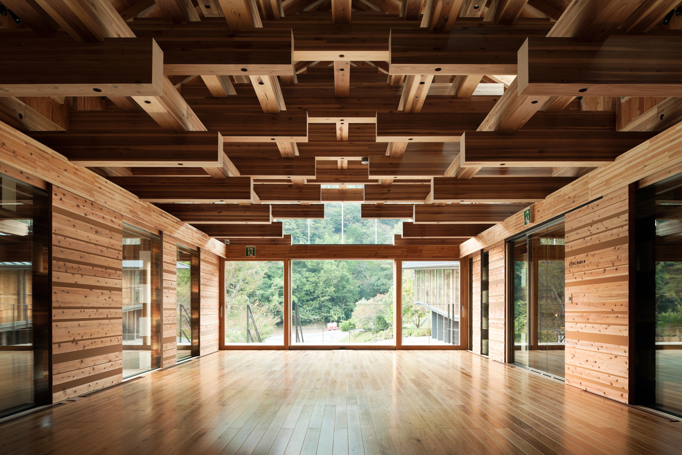 Yusuhara wooden bridge museum kengo kuma and associates for Wood architectural columns