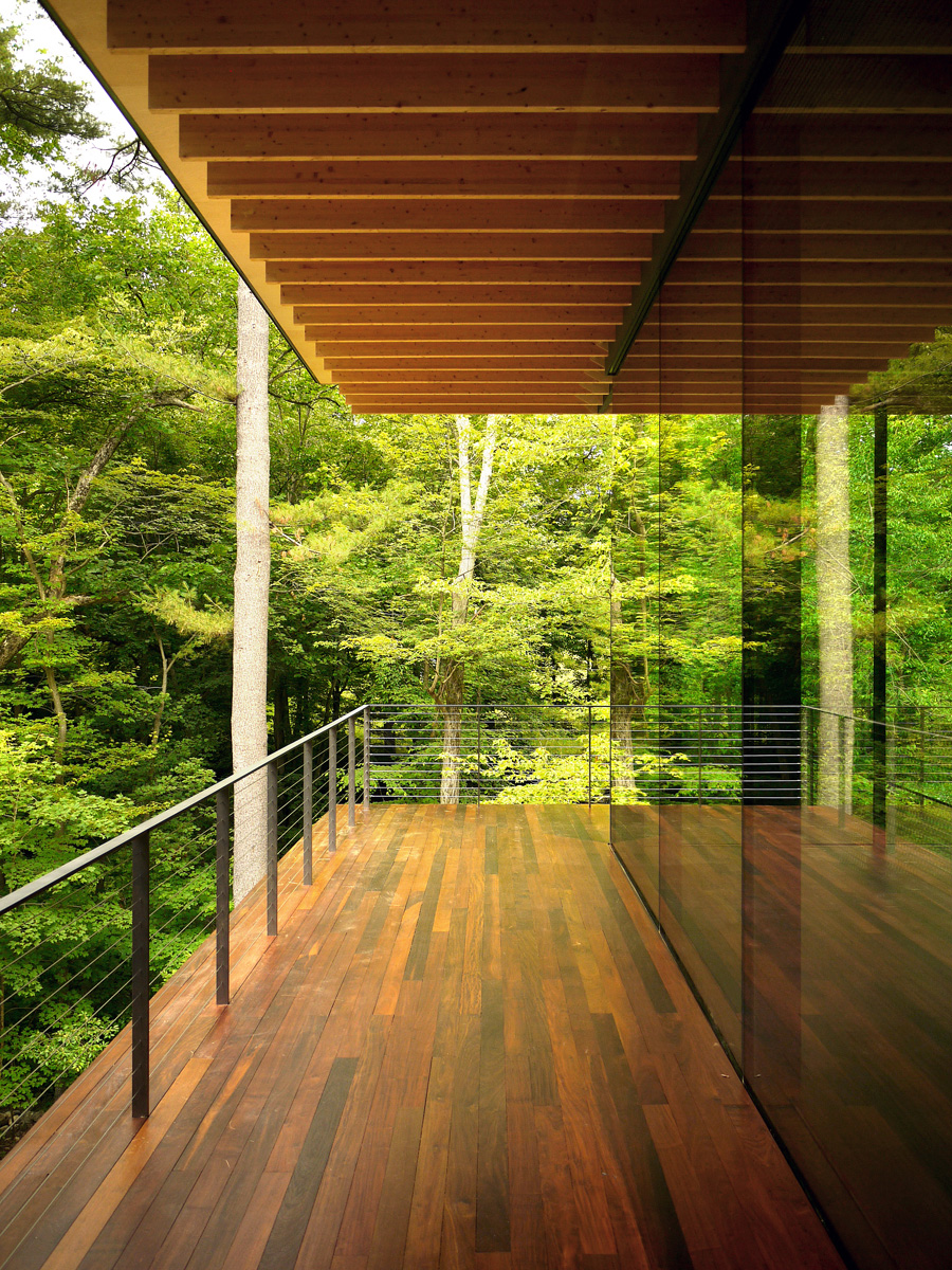 Glass wood house kengo kuma and associates for Wood house architecture