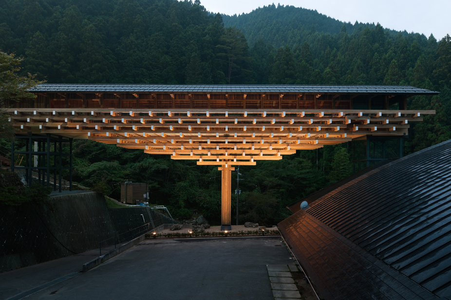 隈研吾檮原(ゆすはら)木橋ミュージアム