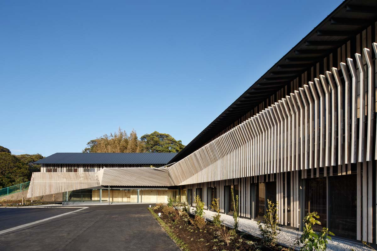 Hayama no mori architecture kengo kuma and Nursing home architecture